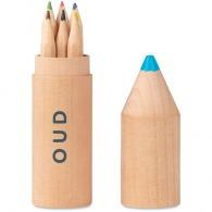 6 crayons dans un étui en bois