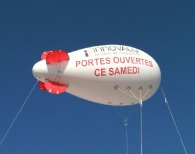 Ballons dirigeables avec marquage