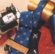 Cravate logotée en soie en fabrication spéciale