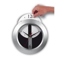 Horloge et pendule murale avec marquage