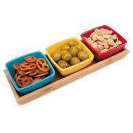 Services à tapas et assiettes snack publicitaire