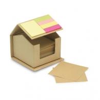Boîte de bureau recyclée avec feuilles, notes repositionnables et marque-pages