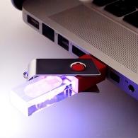 Clé usb avec bouchon rotatif et clé Twister personnalisable