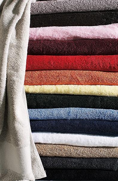 serviette de bain personnalisable blanc kariban 70 x 140. Black Bedroom Furniture Sets. Home Design Ideas