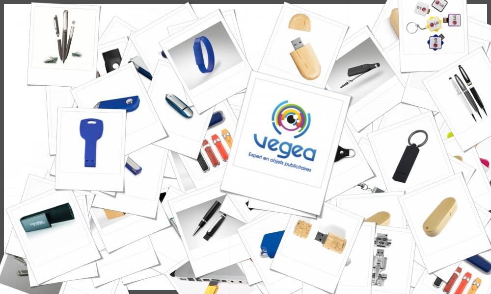 Sélection de clés USB personnalisables à votre effigie avec un logo ou un texte. Nombreux modèles : sur-mesure, métal, plastique, plates (cartes), lumineuses, rotatives, porte-clés.
