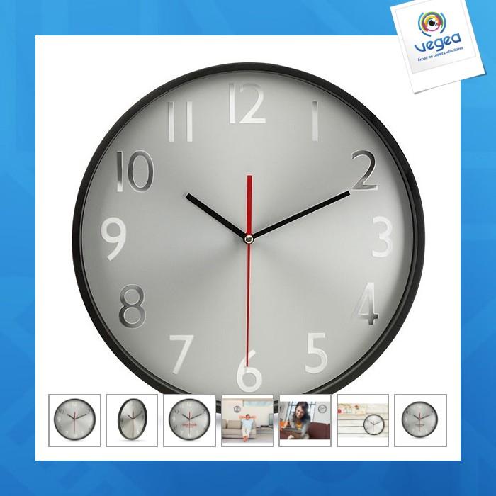 Horloge murale avec personnalisation  fond argent rondo