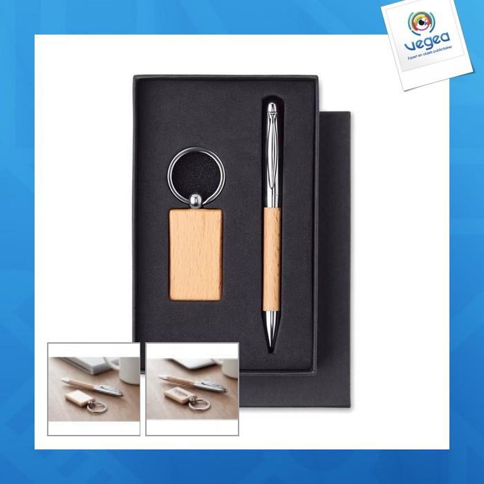 Llavero y bolígrafo de madera